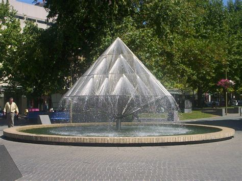 fountains pictures file city walk canberra fountain jpg wikipedia