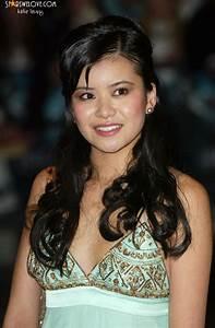 Katie Leung: rélation, fortune, taille, tatouage, origine ...
