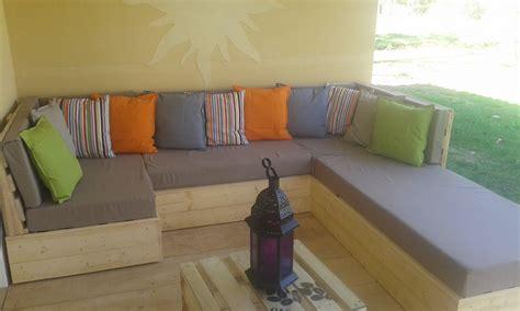 fabriquer un canapé en palette comment fabriquer un fauteuil en palettes