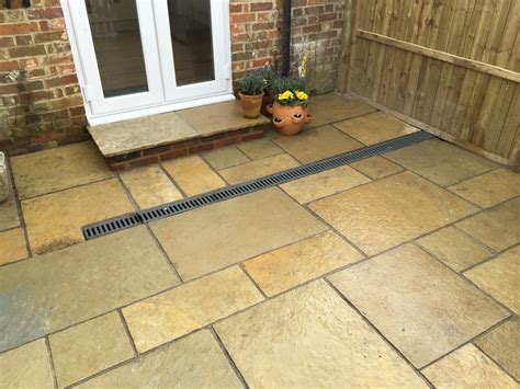 limestone or sandstone paving forest green indian limestone stone slate tiles