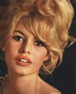 Coiffure Années 60 : brigitte bardot getting older 16 pics ~ Melissatoandfro.com Idées de Décoration
