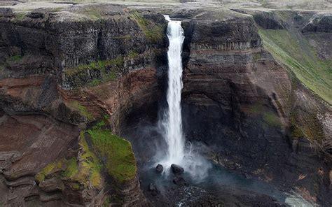 delightful waterfall cliff wallpapers delightful