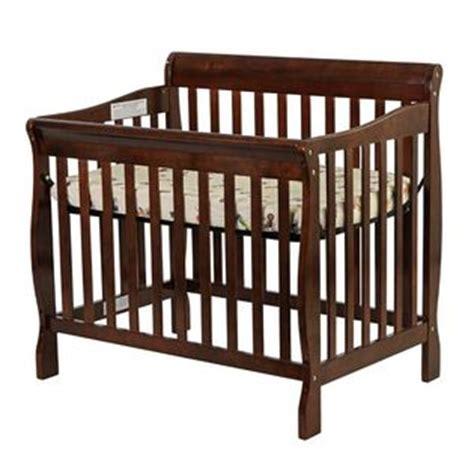 On Me On Me Aden Convertible 3 In 1 Mini Crib
