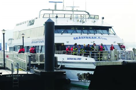 Ferry Boat Nj To Nyc by Ferry Strikes Nyc Dock News Israel News