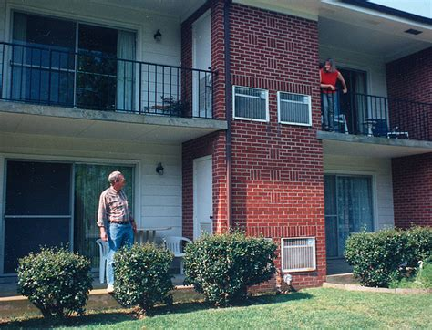 Apartment Living Neighbors how to be a better apartment living rentopia