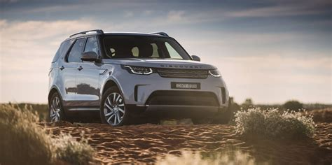 2017 land rover discovery pricing and specs photos