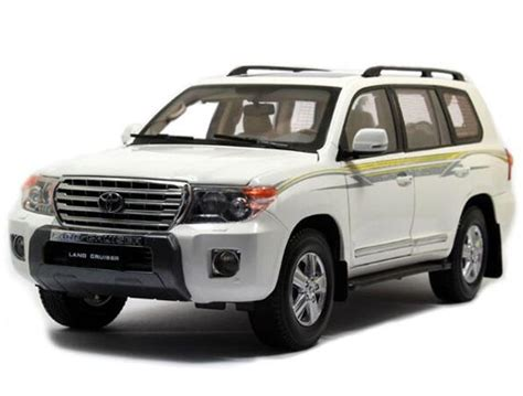 white green 1 scale diecast 2012 toyota land cruiser nb1t060 ezbustoys