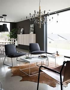 Minibar Für Wohnzimmer : kuhfell teppich im wohn oder schlafzimmer verlegen sch ne sideboards f r mini wohnungen ~ Orissabook.com Haus und Dekorationen