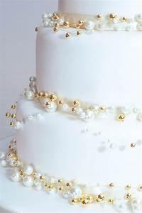 Cakes By Elan, Bristol Wedding Cakes