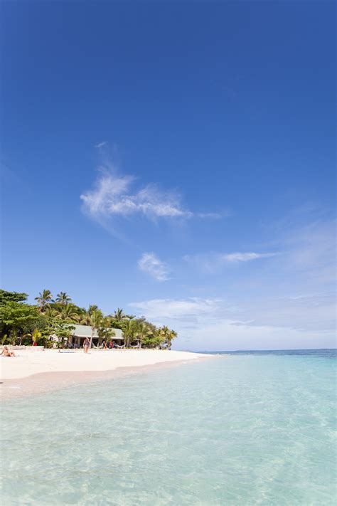 beachcomber island fiji living   language