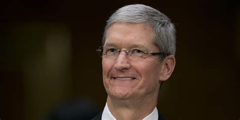 Tim Cook Comes Out As Gay In Powerful Businessweek Essay