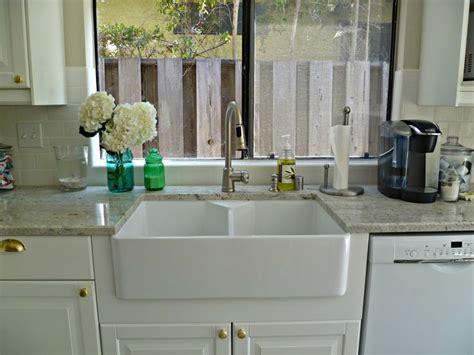farmhouse sinks  graniter tops panels double porcelain farmhouse sinks  grey granite