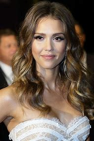 Jessica Alba with Curly Hair