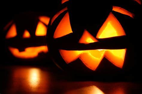pumpkin carving ideals 100 halloween pumpkin carving ideas digsdigs