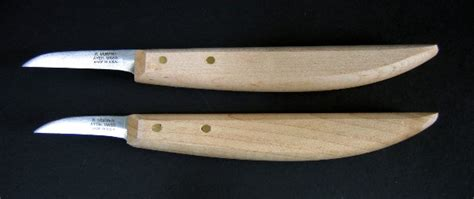 What Makes A Whittling Knife?