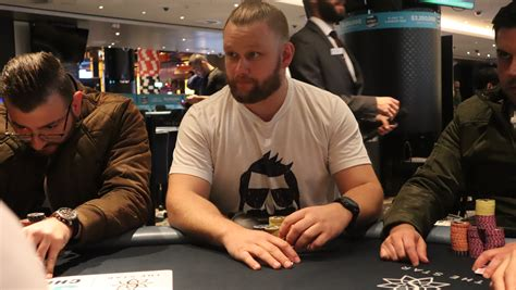 Live reporting - Star Poker