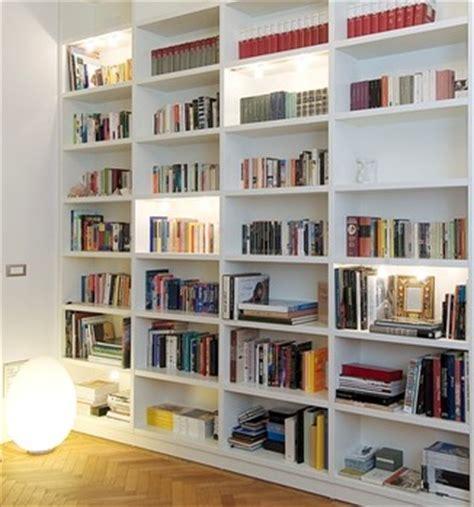 Come Costruire Una Libreria In Legno by Come Costruire Una Libreria In Una Nicchia Edilnet