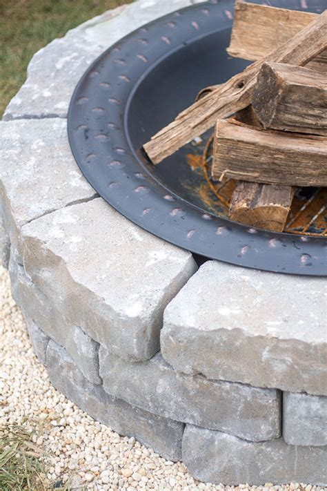 How To Make A Diy Builtin Flagstone Fire Pit Dream