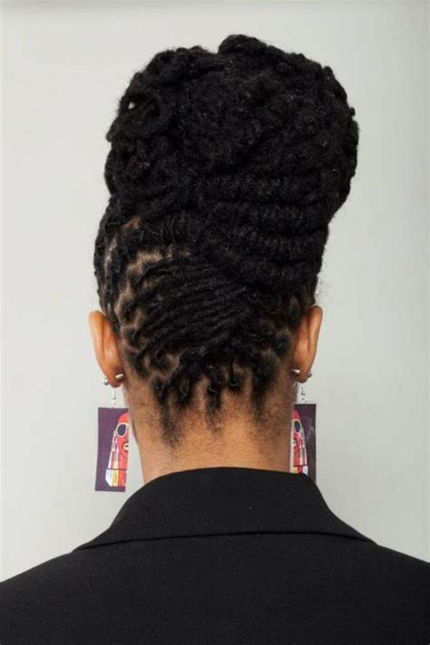 Updo Hairstyles For Dreads by Best 25 Dreadlocks Updo Ideas On How To Grow