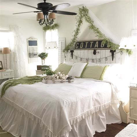 Farmhouse Decorating Ideas  Design & Decor