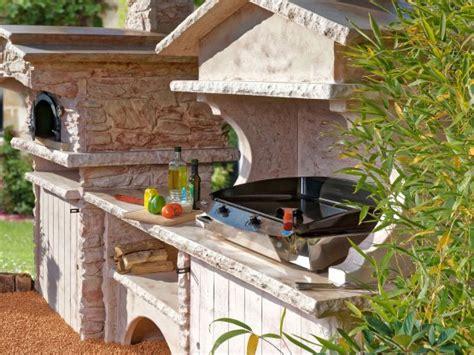 comment construire une cuisine exterieure comment aménager une cuisine d été dans jardin