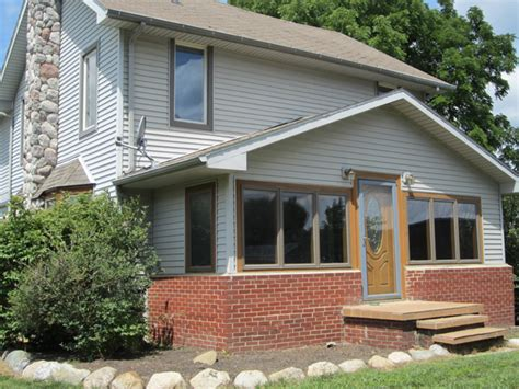 Maybe you would like to learn more about one of these? Spacious Farm House in Pinckney - Reinhart Reinhart