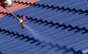 Peinture Pour Toiture : d moussage de toiture pour un toit en bon tat ~ Melissatoandfro.com Idées de Décoration