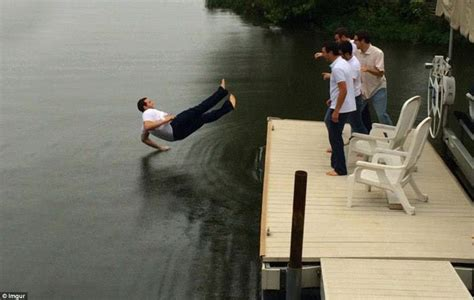 These perfectly timed photos are a work of art | Daily ...