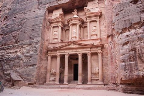 Petra The Lost City Of Jordan Desert Illusion