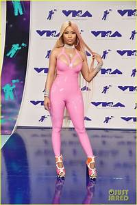 Nicki Minaj Wears Pink Latex Bodysuit to MTV VMAs 2017 ...