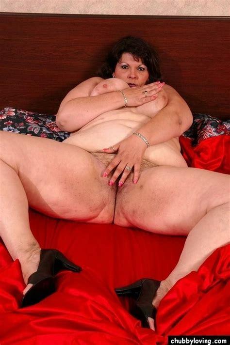 Fat Brunette Mature Jennifer Getting Nasty And Showing