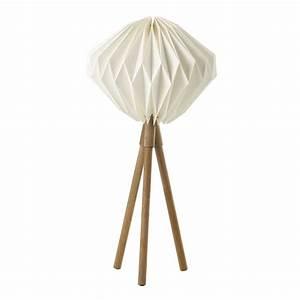 Lampe Aus Holz : lampe laponie aus holz mit lampenschirm aus wei em papie h 79 cm maisons du monde ~ Eleganceandgraceweddings.com Haus und Dekorationen