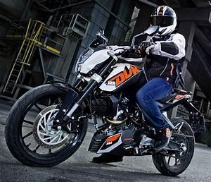 Fiche Technique Ktm Duke 125 : ktm 125 duke 2013 fiche moto motoplanete ~ Medecine-chirurgie-esthetiques.com Avis de Voitures