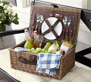 top 10 wedding gifts gift giving ideas pinterest With wedding gift picnic basket