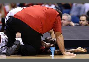 Should media outlets be allowed to air Kevin Ware's knee ...