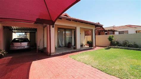 2 Or 3 Bedroom House For Rent by 3 Bedroom House For Sale For Sale In Soshanguve
