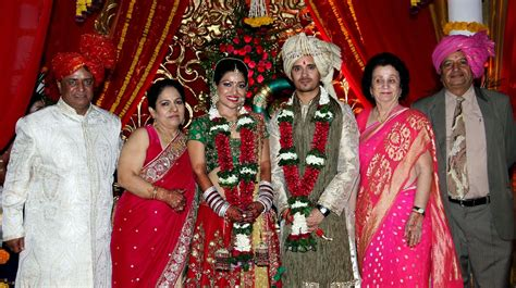 bollywood wed amita pathak  married  singer raghav