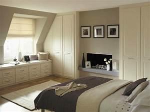Schlafzimmer mit schr ge modern gestalten for Schlafzimmer mit schräge