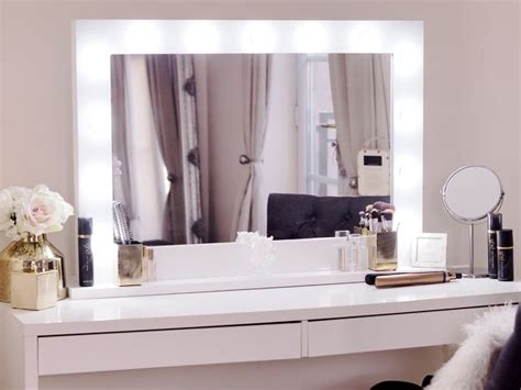 Vanity Table With Lights Around Mirror by 25 Best Ideas About Ikea Dressing Table On