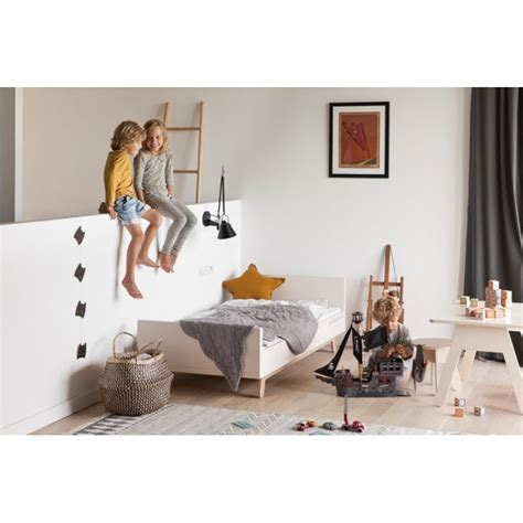 bureau enfant design bureau enfant design 80x60 cm kutikai the peekaboo collection
