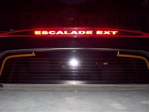 2002 Cadillac Escalade 3rd Brake Light
