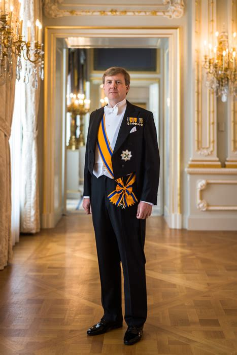 dutch inauguration  official photo    king