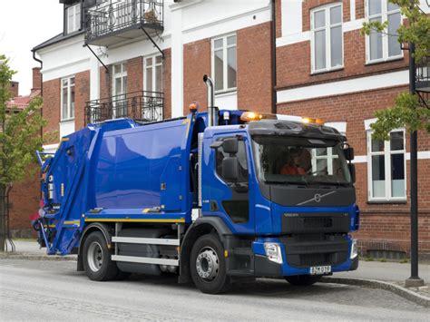 volvo truck tech volvo cng garbage truck
