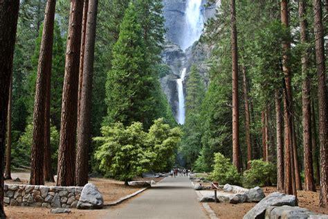 Lower Yosemite Falls Trailhead
