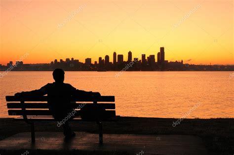 ver amanecer sobre seattle foto de stock  neelsky