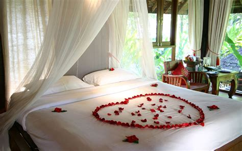 Bedroom Ideas For Honeymoon by Honeymoon Tour Package Class Holidays In