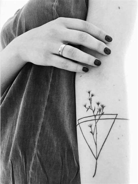 The 25+ best Geometric flower tattoos ideas on Pinterest   Thigh piece, Geometric flower and