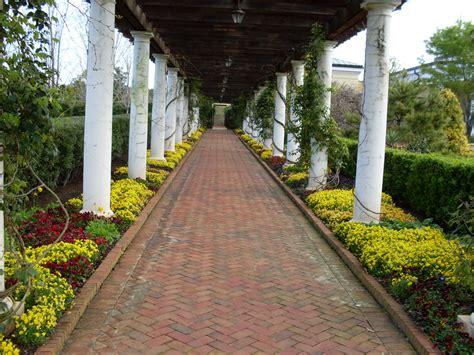 daniel stowe botanical garden file walkway daniel stowe botanical garden jpg