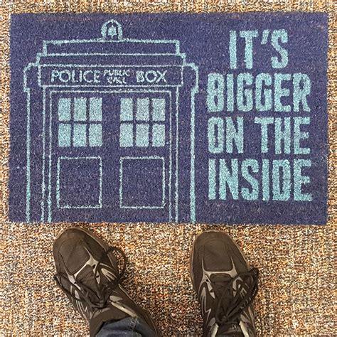dr who doormat doctor who tardis door mat it s bigger on the inside