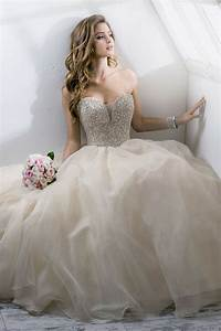 princess wedding dress with ball gown hemline With princess ball gowns wedding dresses
